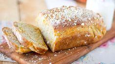 Kaksi ainesta tekee Tarun herkullisesta vuokaleivästä erityisen mehevän - Ajankohtaista - Ilta-Sanomat Savoury Baking, Banana Bread, Recipies, Treats, Cooking, Desserts, Recipes, Sweet Like Candy, Kitchen