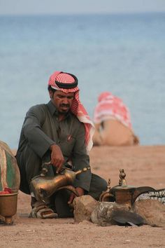 Tarabin, Sinai Egitto Life In Egypt, Arabic Coffee, The Day Today, Tea Culture, Egypt Travel, Fantasy Character Design, Egyptians, African Men, Reference Images