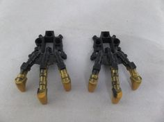 LEGO Bionicle Brutaka Reidak Piraka Clawed Feet Hands Pair Black & Gold 53567  #LEGO #Bionicle #Parts #Pieces #Black #Gold #Genuine #Replacement #Claws #Feet #Hands #Bonanza