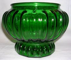 Vintage emerald green glass vase