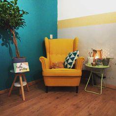 De STRANDMON oorfauteuil bij @mariekevgb | #IKEABijMijThuis IKEA IKEAnederland wooninspiratie inspiratie woonkamer slaapkamer stoel fauteuil geel