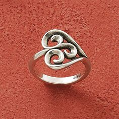 Swirl Heart Ring from James Avery. #jamesavery