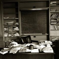 Einstein's Office  The photo above was taken on April 18th, 1955 – the day that Albert Einstein died. A diagram-laden blackboard and paper-strewn desktop show a passion that consumed his life to the very end. || Drawfour Translation ---> Motivation goes beyond awards, recognition and financial gain – it burns from within.