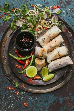 Duck Popiah is a healthy, non-fried version of a spring roll, packed with veggies and served with a tasty coffee dipping sauce. Fresh Coriander, Fresh Ginger, Spring Roll Pastry, Onion Sprouts, Food Photography, Photography Degree, Crispy Onions, Chinese Theme, Chinese Food