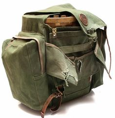 Duluth Pack offers a variety of leather and canvas luggage, backpacks, messenger bags, camping and outdoor gear, and much more. School Pack, Old School, Laptop Backpack, Backpack Bags, Mochi, Duluth Pack, Bushcraft Gear, Fishing Pliers, Back To Black