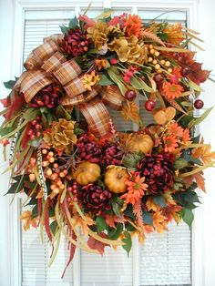 ✓ 75 Farmhouse Fall Porch Decorating Ideas - Page 28 of 75 - Fajrina Decor Rustic Thanksgiving, Thanksgiving Wreaths, Thanksgiving Decorations, Fall Decorations, Outdoor Decorations, Autumn Wreaths For Front Door, Fall Wreaths, Door Wreaths, Burlap Wreaths