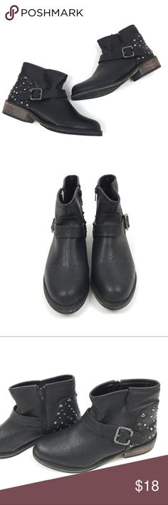 "Skechers Studded Ankle Boots Black Womens Size 8.5 Skechers Black Studded Ankle Boots Womens Size 8.5  Zip Up Closure, Heel is 1.5""  Condition: Excellent pre-owned condition. Skechers Shoes Ankle Boots & Booties"