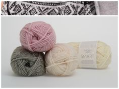 Marius med hvit mønster i garnet Smart  1001, 1042, 4520 #farger #fargekombinasjoner #garn #inspirasjon #marius
