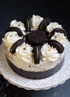 Cookies-and-Cream-Oreo-Ice-Cream-Cake-4