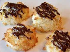 Yummy soft baked low carb coconut macaroon cookies. These gluten free cookies can be drizzled with chocolate for a more decadent looking cookie.