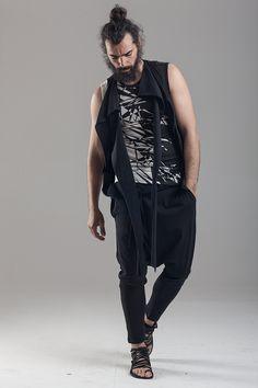 Black & white print tee  Sleeveless asymmetric vest Cotton pants