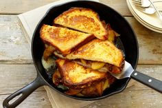 The Ver-Monte Cristo Sandwich | Grilled Cheese Cabot Cheese, Easy Skillet Meals, Skillet Recipes, Monte Cristo Sandwich, Sammy, How To Cook Sausage, Cast Iron Cooking, Wrap Sandwiches, Recipe Today