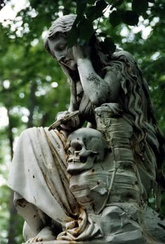 Crying Mary by ~AtYourFeet on deviantART  (Mary crying her son, Lestelle Betharam, FR.)