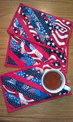 "Time for a patriotic ""snack mat"" - Red, White, and Blue Mug Rug!"