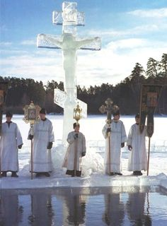 Epiphany Service in Russia. (The Cross is carved from solid Ice. Pictures Of Russia, Ukraine, Religion, Russian Orthodox, Religious Architecture, Orthodox Christianity, Russian Art, Epiphany, Soviet Union