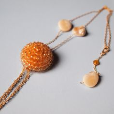 Beads botton& shell necklace