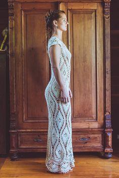 Handmade Crochet Wedding Dress LUNA CRECIENTE by IsaCatepillan
