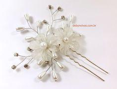 Arranjo de noiva com pérolas e ramos by Deby noivas!   Frete gratis e parcelamos em ate 10 vezes no cartão.