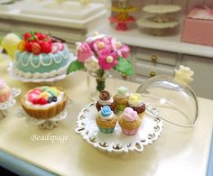 1:12 Scale Dollhouse Miniature Cupcakes  Display by BEADSPAGE