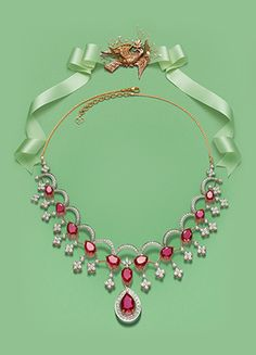 Gold Jewelry Design In India Indian Wedding Jewelry, Bridal Jewelry, Jewelry Gifts, Jewelery, Ruby Jewelry, India Jewelry, Diamond Jewelry, Gold Jewelry, Tanishq Jewellery