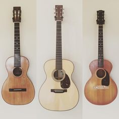 "321 curtidas, 1 comentários - Acoustic Guitar (@acousticaguitar) no Instagram: ""#Repost @dpetrzelka ・・・ All shapes and sizes... . . . . . . Just hanging out with a 1890's…"""