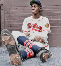 """Super 70s Sports on Twitter: """"""""How old would you be if you didn't know how old you are?"""" - Satchel Paige… """" Baseball Art, Sports Baseball, Baseball Players, Baseball Classic, Negro League Baseball, Cleveland Indians Baseball, American Sports, Sports Photos, Sports Images"""