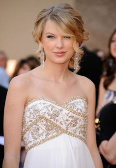 tswift is always my go-to on hair styles
