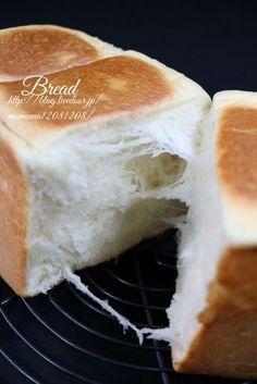 「今流行りの!生食パン」きよみんーむぅ | お菓子・パンのレシピや作り方【corecle*コレクル】 Cooking Bread, Cooking Recipes, Shokupan Recipe, Roti Bread, Japanese Bread, Coffee Bread, Bread Maker Recipes, Bread Shop, Bread Shaping