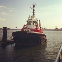 #tugboat #vancouver #instagramyourcity - @shanegibson- #webstagram