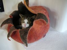 Making a felted cat cave