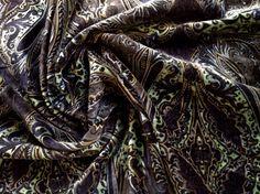 7/8 Yard Cotton Velveteen With Dark Paisley Print