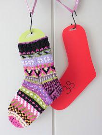Purple crafts: Sock blockers using Ikea bendable chopping boards Purple Crafts, Different Stitches, Knitting Socks, Christmas Stockings, Stitch Patterns, Knit Crochet, Ikea, Crochet Tutorials, Crochet Ideas