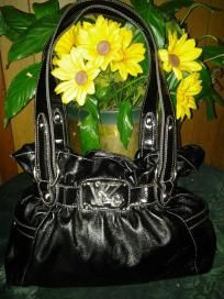 Kathy van zeeland leather black handbag. V pretty purse u will love it free ship 4 $ 34.99