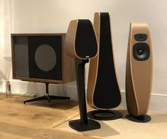 The Davone Studio, Solo and Twist speakers together with Eames speakers. High End Speakers, Tower Speakers, Audio Design, Speaker Design, Hifi Audio, Home Cinemas, Mid Century Modern Furniture, Danish Design, Eames