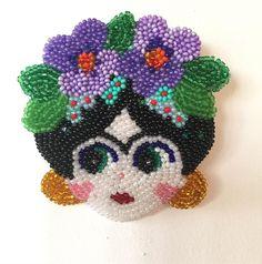 Menekşeli Frida Broş #broş #brooch #fridakahlo #frida #violet #bead #beads #beaded #beadwork #boncukişleme #handmade #jewelry #jewellery #jewelrydesign #design #designer #fashion #fashiondesign #bead #beads #beaded