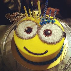 Minion birthday cake idea, my birthday is on next thurs. want this for a b day cake!