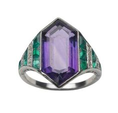 Van Cleef  Arpels - Art Deco Amethyst and Emerald Ring