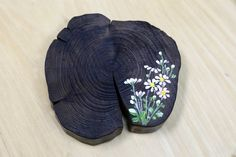 Pallet Art, Painting On Wood, Fabric Crafts, Chinese Brush, Hand Painted, Image, Fashion, Wood Slices, Picture On Wood