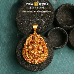 Divine and graceful Lakshmi pendant in yellow gold studded with Lakshmi Design. Indian Jewelry Earrings, Big Earrings, Pendant Jewelry, Beaded Jewelry, Gold Earrings Designs, Gold Jewellery Design, Bridal Jewellery, Diamond Pendant, Diamond Rings