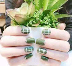 Green Nail Art, Green Nail Polish, Green Nails, Dope Nails, Fun Nails, Red Manicure, Leopard Print Nails, Gradient Nails, Caramel Color