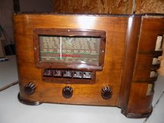 Vintage Crosley 718 tabletop AM radio vgc works and sounds great #Crosley