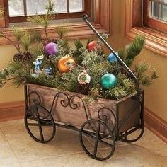 Spruce up the outside of your house with outdoor Christmas decorating ideas. Have a look at these ideas for outdoor Christmas decorations. Christmas Porch, Primitive Christmas, Outdoor Christmas Decorations, Christmas Centerpieces, Country Christmas, Winter Christmas, Vintage Christmas, Christmas Wreaths, Christmas Kitchen