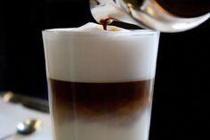 Kaffee zum Frühstück im Restaurant Moritz in Dresden