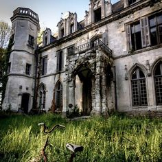 Abandoned Chateau Clochard- original castle burned in WAS 1421 by Philip of Burgundy DURING THE 100 Year War The. The Castle of Pont Remy rebuilt sometime WAS DURING THE 15th century and is Believed to-have-been done so by Jacques Crequy. Taken on: August 22, 2014