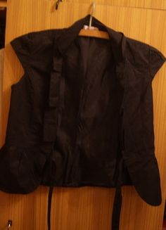 Kup mój przedmiot na #vintedpl http://www.vinted.pl/damska-odziez/marynarki-zakiety-blezery/10289556-czarne-bolerko-narzuta-orsay-36-s