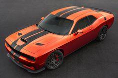 Los Dodge Challenger SRT en Mango Orange