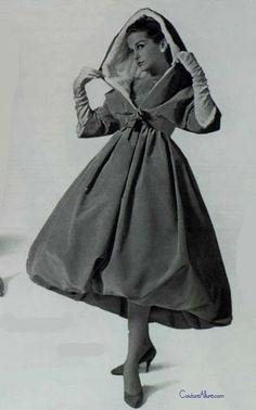 Givenchy, 1958