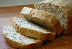 Here is the best gluten and dairy free coconut flour bread recipe. With flaxseed and oregano, this is a delicious and healthy bread. Dairy Free Bread, Coconut Flour Bread, Moist Banana Bread, Pan Bread, Bread Recipes, Paleo Recipes, Love Food, The Best, Food And Drink