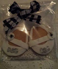#babyshowercookies #babyshoecookies #designercookies