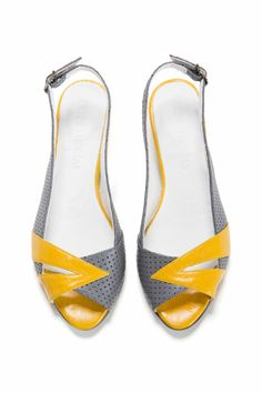 Designer Clothes, Shoes & Bags for Women Flat Sandals, Wedge Heels, Peep Toe Flats, Shoe Boutique, Shoe Size Conversion, Long Toes, Grey Yellow, Womens Flats, Peeps